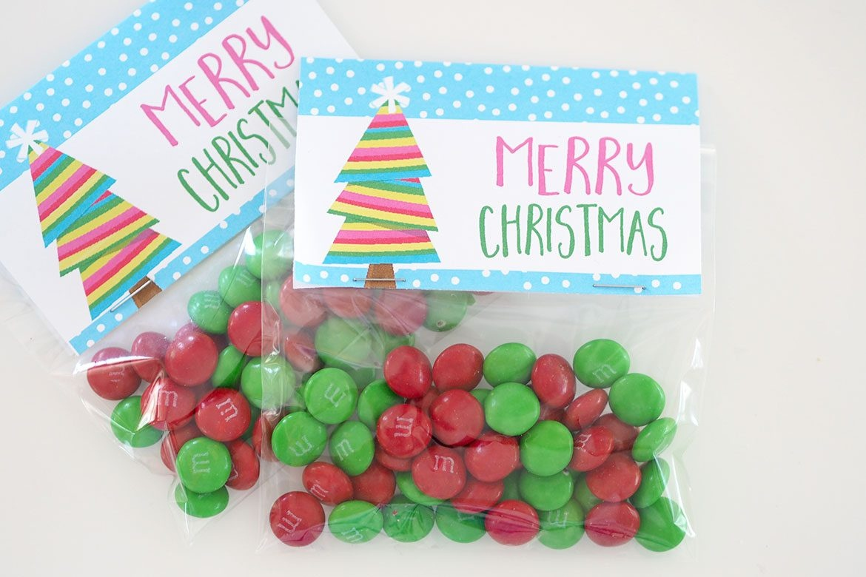 Christmas Treat Bags + Printable Bag Toppers - The Organised Housewife - Free Printable Christmas Bag Toppers