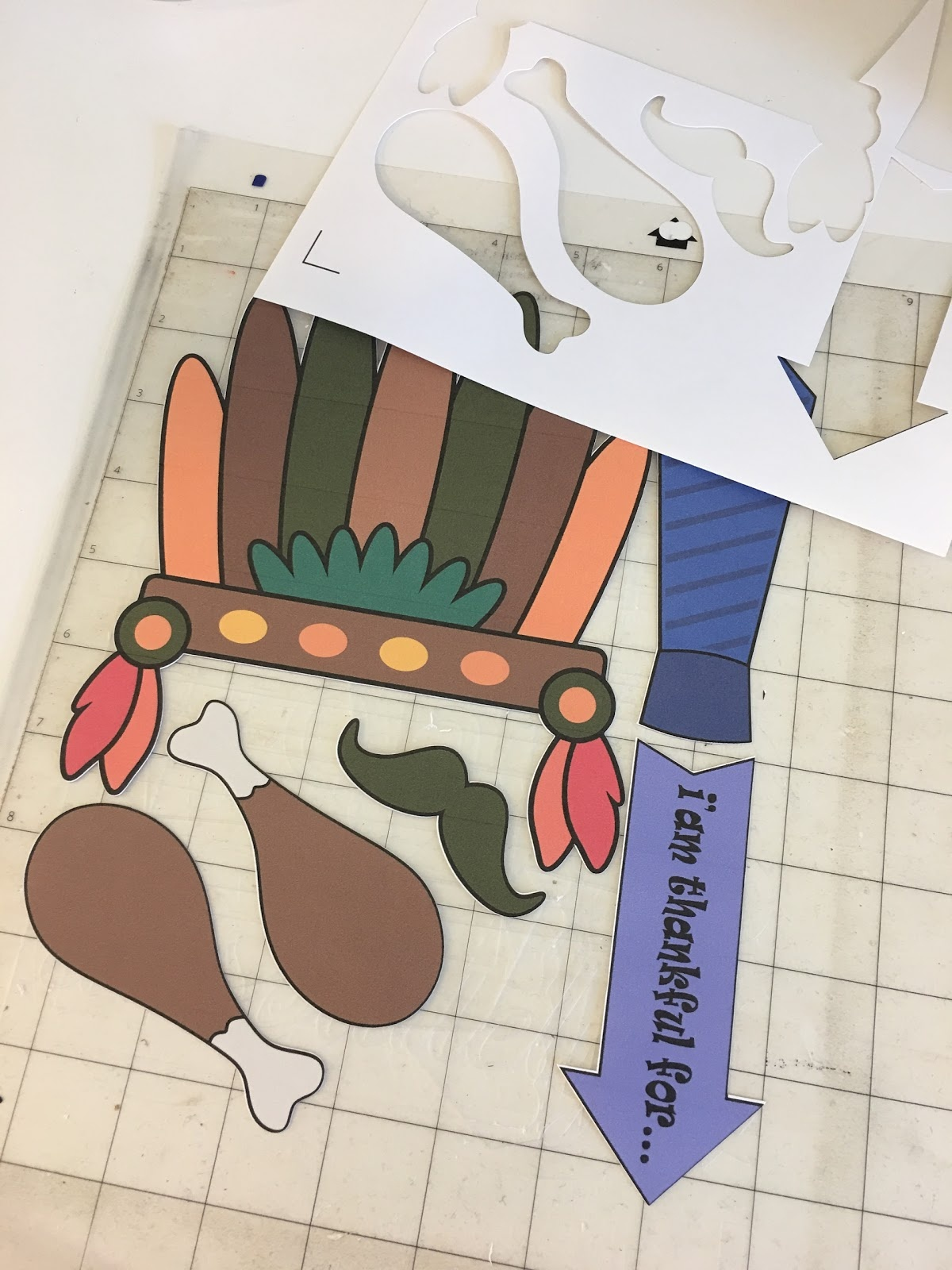 Free Printable Thanksgiving Photo Props (And How To Use Them With - Free Printable Thanksgiving Photo Props